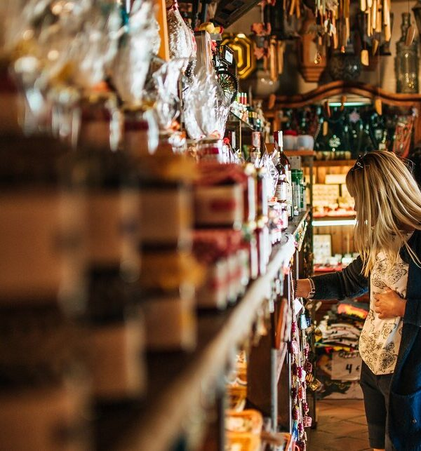 The most famous souvenirs of foreign countries