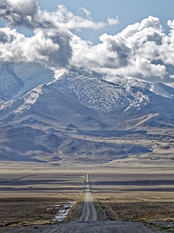 The most dangerous and strange road in the world in the heart of Central Asia! (part1)