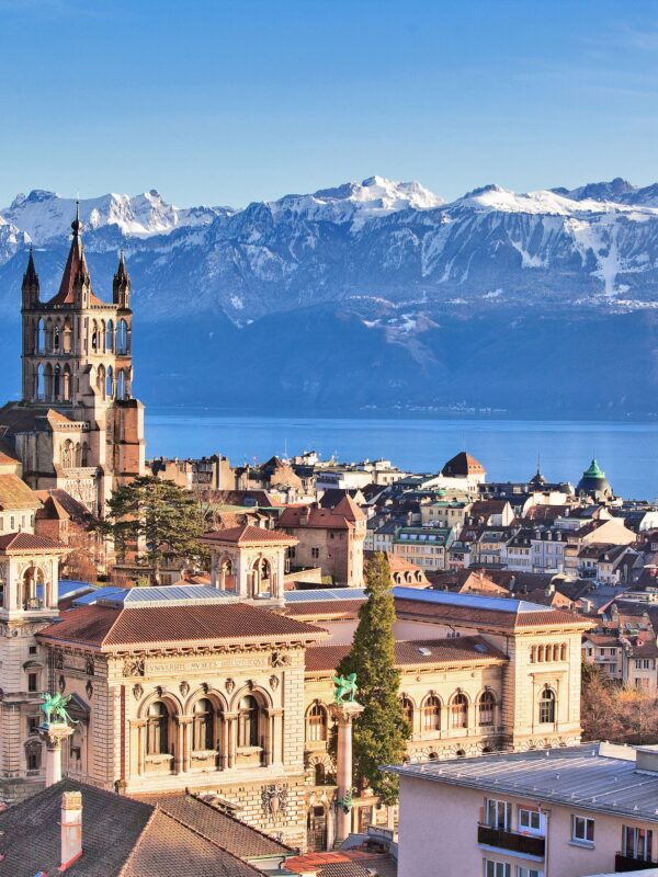 10 beautiful and spectacular cities in Switzerland