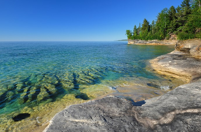 Beautiful and spectacular lakes in Canada