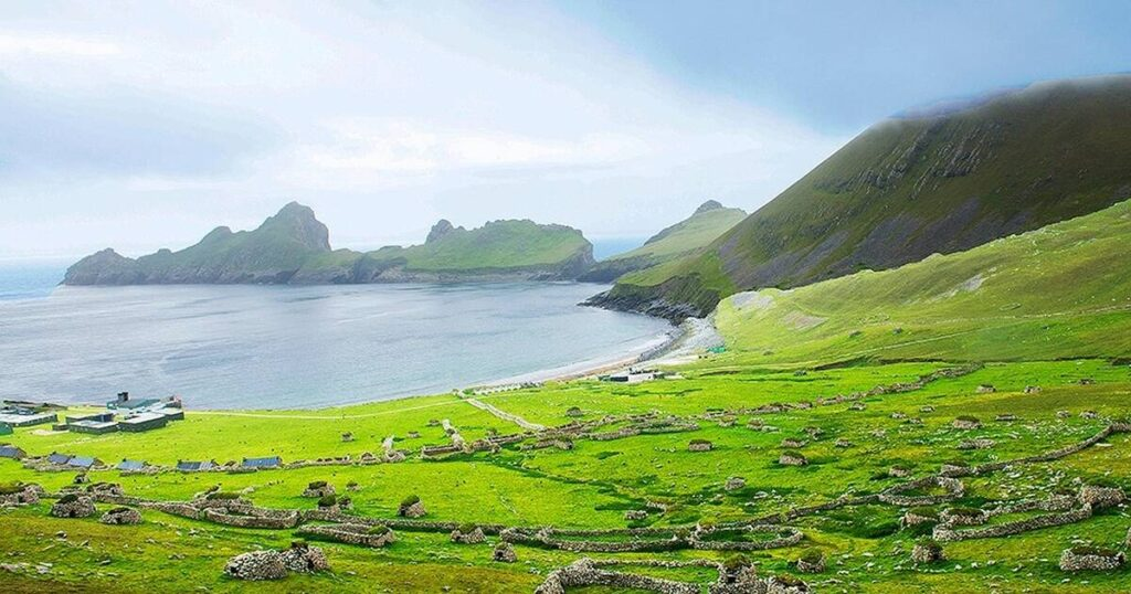 Living in the most difficult conditions by eating seabirds: in St Kilda Islands