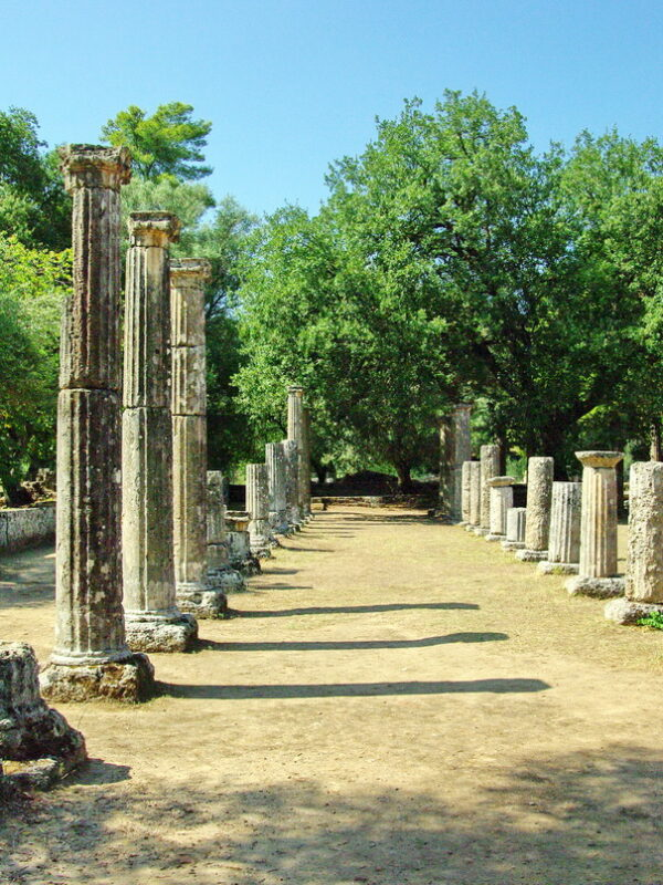 7 wonderful and historic cities in Greece